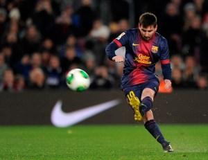 Messi vuelve a entrenar y podrá jugar frente a Osasuna