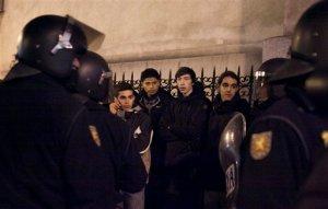 Arrestan a 45 personas tras protesta en España