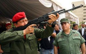 Rusia investiga robos en construcción de fábrica de Kaláshnikov en Venezuela