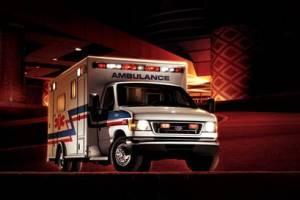 Hombre en calzoncillos roba ambulancia