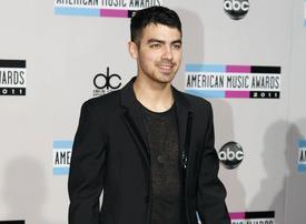 Joe Jonas prometió que cantará en español