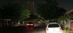 "Zulianos ""pasan las de Caín"" al continuar sin luz tras mega apagón rojo #23Jul"