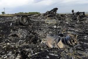Investigadores podrían identificar sospechosos por derribo del vuelo MH17