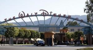 Prohibido el acceso a los parques temáticos de Disney con armas de juguete