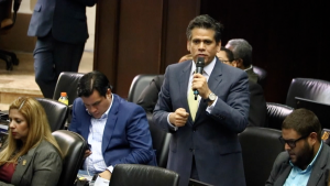 Rafael Guzmán anunció que abandona su curul en la Asamblea Nacional