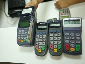 """Sudeban advierte que """"meterá la lupa"""" en contratos de puntos de venta"""