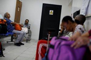 Pacientes crónicos de Lara en constante agonía