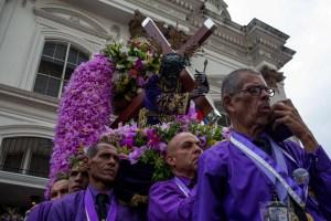 Venezuela pide ahora al Nazareno de San Pablo que la salve de la peste chavista