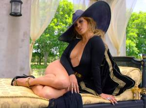 Jennifer López sigue desatando pasiones y demuestra cómo es una PIERNONA (FOTOS)