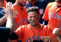 Astros planean activar al venezolano José Altuve en Grandes Ligas tras lesión