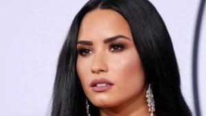 Demi Lovato consintió a sus fanáticos mostrando sus senos en la playa (FOTO)