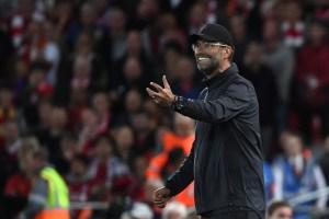 La lección de vida que el entrenador del Liverpool le dio a un juvenil que llegó con lujos a su primer día de pretemporada