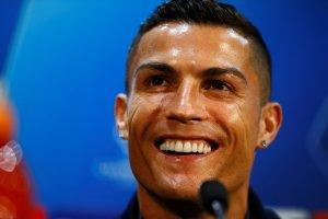 """El """"look"""" de panadeiiiiro de Cristiano Ronaldo que hizo reír a las redes sociales (FOTO + """"Cacheiiiitu"""")"""