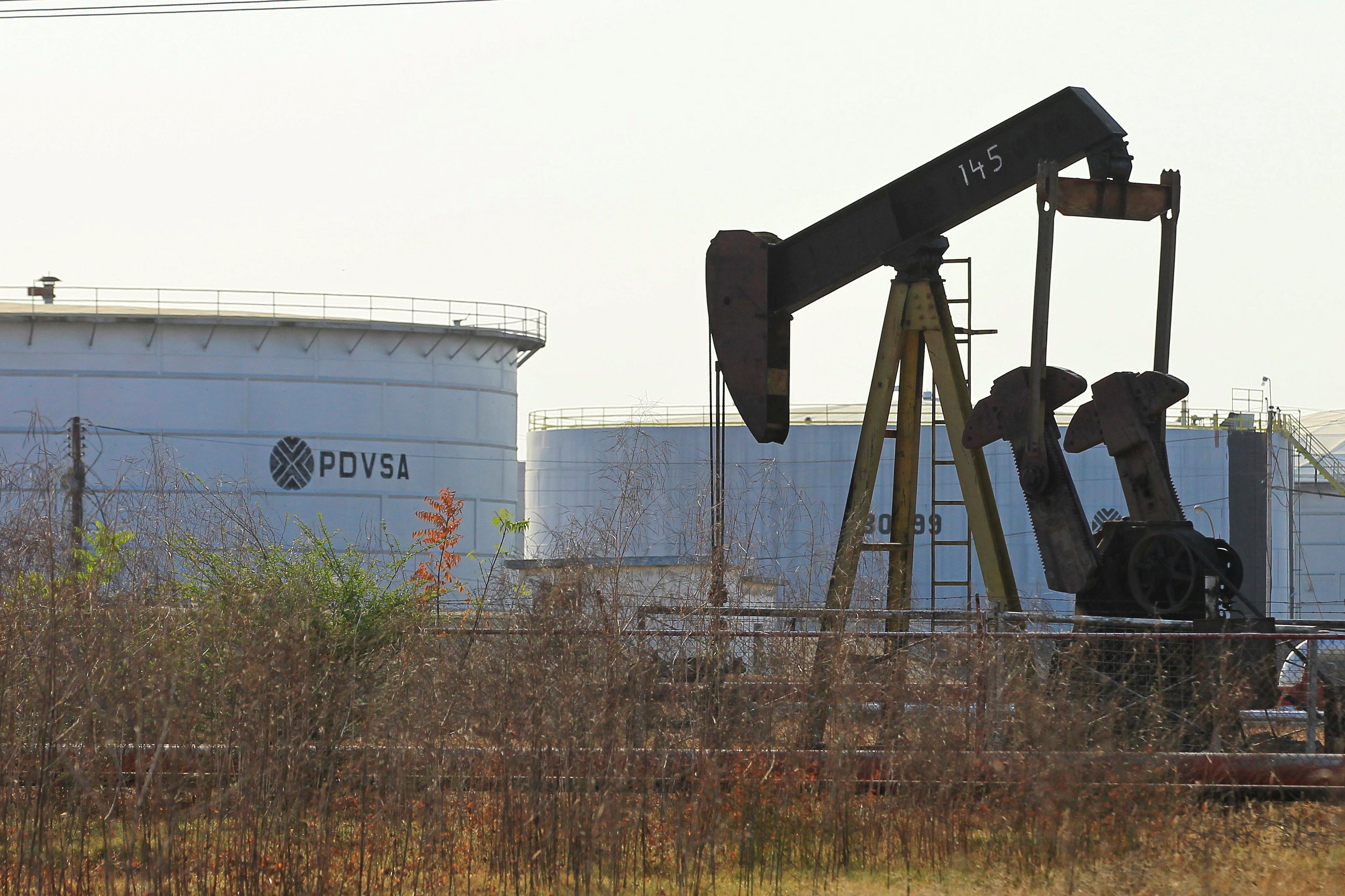ALnavío: Petróleos de Venezuela se desmorona y las repercusiones son globales