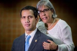 Guaidó se retiró de la sesión de la AN por una operación de su madre