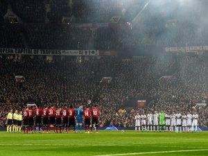 ¡Emotivo! Equipos de la Champions League dedicaron un minuto de aplausos al futbolista Emiliano Sala (Videos)