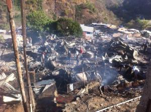 Piden apoyo para afectados del incendio de San Isidro en Petare