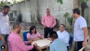 De tal palo, tal astilla: Nicolasito juega domino mientras el país se cae a pedazos (video)