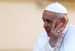 El Papa acepta la renuncia del arzobispo Ezzati, imputado por encubrir abusos sexuales