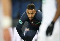Uefa acusa a Neymar por insultos al árbitro tras eliminación PSG ante Manchester United