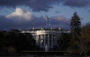 Washington retiene el aliento a la espera del informe Mueller