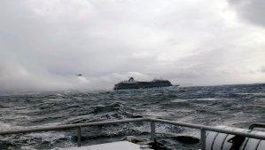 Terror en el mar: Avería en un crucero obliga a evacuar en helicóptero a 1.300 pasajeros (FOTOS)