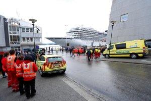 El crucero Viking Sky alcanza puerto tras dramática evacuación de pasajeros (FOTOS)