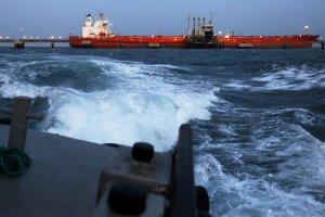 Las sanciones aprietan y PDVSA con menos opciones busca contratar buques para productos refinados