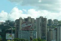 Retiran el icónico aviso en Bello Monte de la chocolatería venezolana Savoy