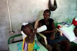 Infecciones y superbacterias: 2.000 millones de personas carecen de agua en centros de salud