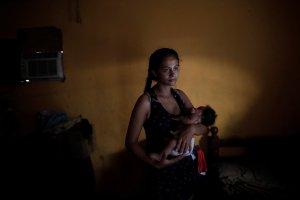 Venezuela pasa más horas sin luz que las previstas en el plan de racionamiento rojo, solo Caracas se salva