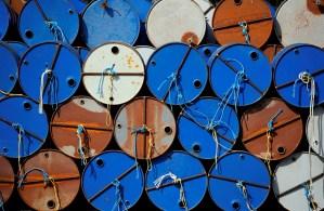 Irán dice que el mercado petrolero es frágil ante presión de EEUU contra Teherán y Caracas