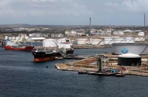 Cargamento de crudo venezolano para Rosneft se cancela por sanciones y buques se retiran