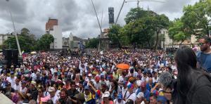 En VIDEO: Presidente (E) Juan Guaidó reitera convocatoria en Plaza Alfredo Sadel #23Jul