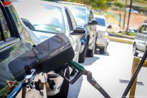 Volvieron los bachaqueros cobrando en dólares la gasolina en Mérida #13Oct