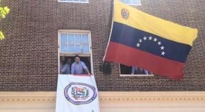 Carlos Vecchio: Los daños causados a nuestra embajada son muchos