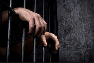 Unos 34 presos con coronavirus huyeron por el túnel de una cárcel en Brasil