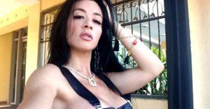La faja transparente que hace que a Diosa Canales se le vea TODO  (VIDEO)