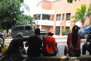 Hacinamiento de presos en comisarias de La Guaira disparan la sarna y tuberculosis