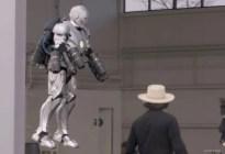 La espectacular réplica del traje de Iron Man que puede volar y es a prueba de balas (Video)