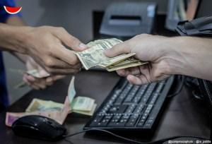 #EscombrosDeMaduro En un año salario mínimo en Venezuela pasó de 30 a 2,50 dólares