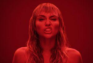 La FOTO sin dentadura postiza que Miley Cyrus no quiere que veas