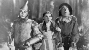 """""""El mago de Oz"""": los mensajes subversivos ocultos en el famoso clásico del cine"""