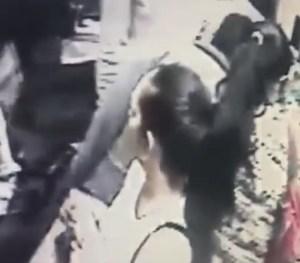 ¡Reconócelas! Pillaron a este par de mujeres robando en tienda de Los Teques(Video)