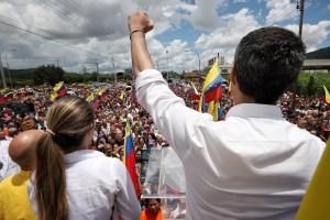 EN FOTOS: El recorrido de Guaidó en Valencia este #24Ago