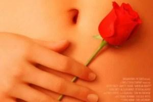 Quién es la popular actriz que prestó su mano para el poster de American Beauty