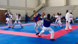 Crisis venezolana golpea a los atletas, quienes enfrentan fuertes retos más allá de los deportivos