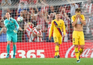 Aduriz fulminó al Barcelona con un gol de tijera en el arranque de la Liga