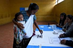 Guatemala elige presidente para enfrentar la pobreza y la violencia