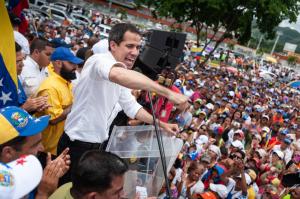 Guaidó desde Valencia: No hagamos maletas, hagamos país (Video)